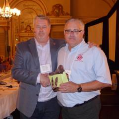 Marc Brière, National President awards a 30-year pin to Brian Oldford
